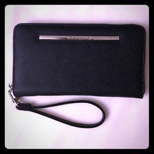 Clutch Zip Around Wallet/Wristlet